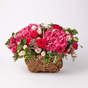 PINK FLOWER MIXED BASKET